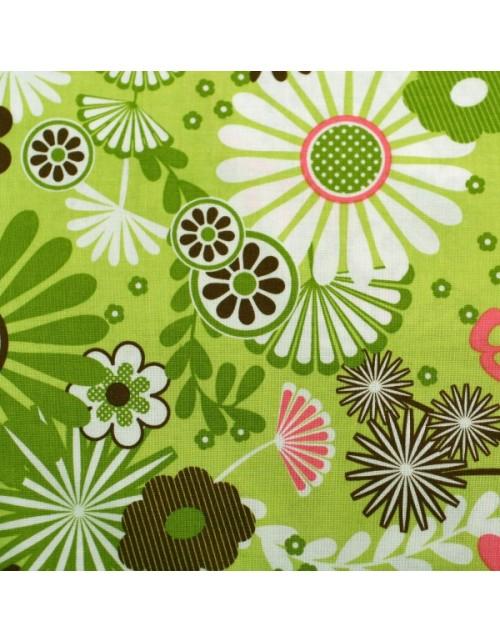 Flores grandes y fondo verde