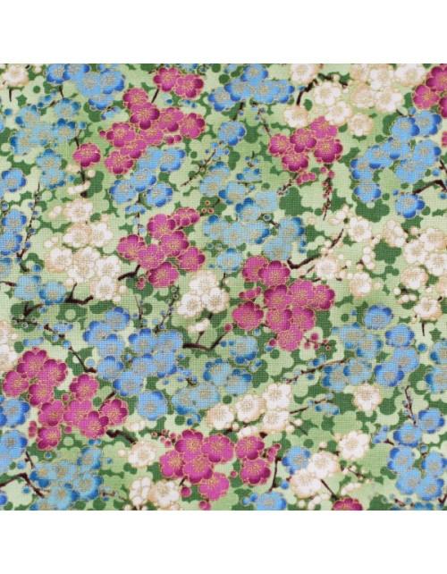 Flores rosas, blancas y azules